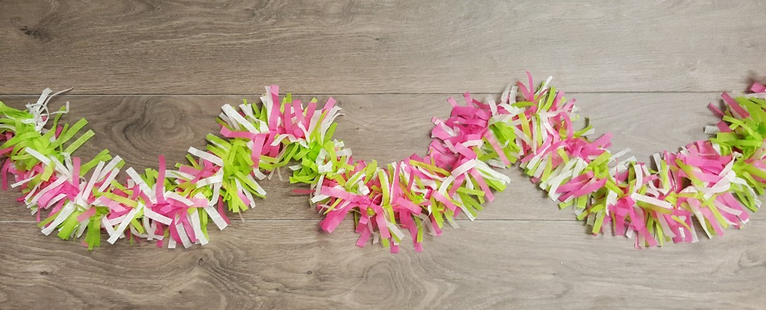 Learn how to make this colourful tissue paper garland!
